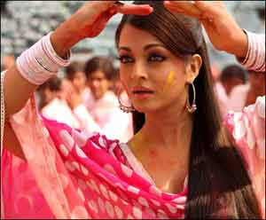 Aishwarya Rai calls her 'Action Replayy' role a collage of 70s actresses
