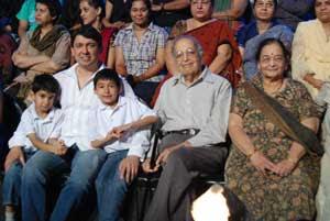 Madhuri's sons, husband visit 'Jhalak Dikhhla Jaa' sets