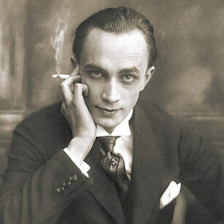 proper 2 charlie hunnam joker designed actor conrad veidt alternatively