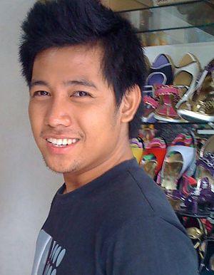 Tong Blogger