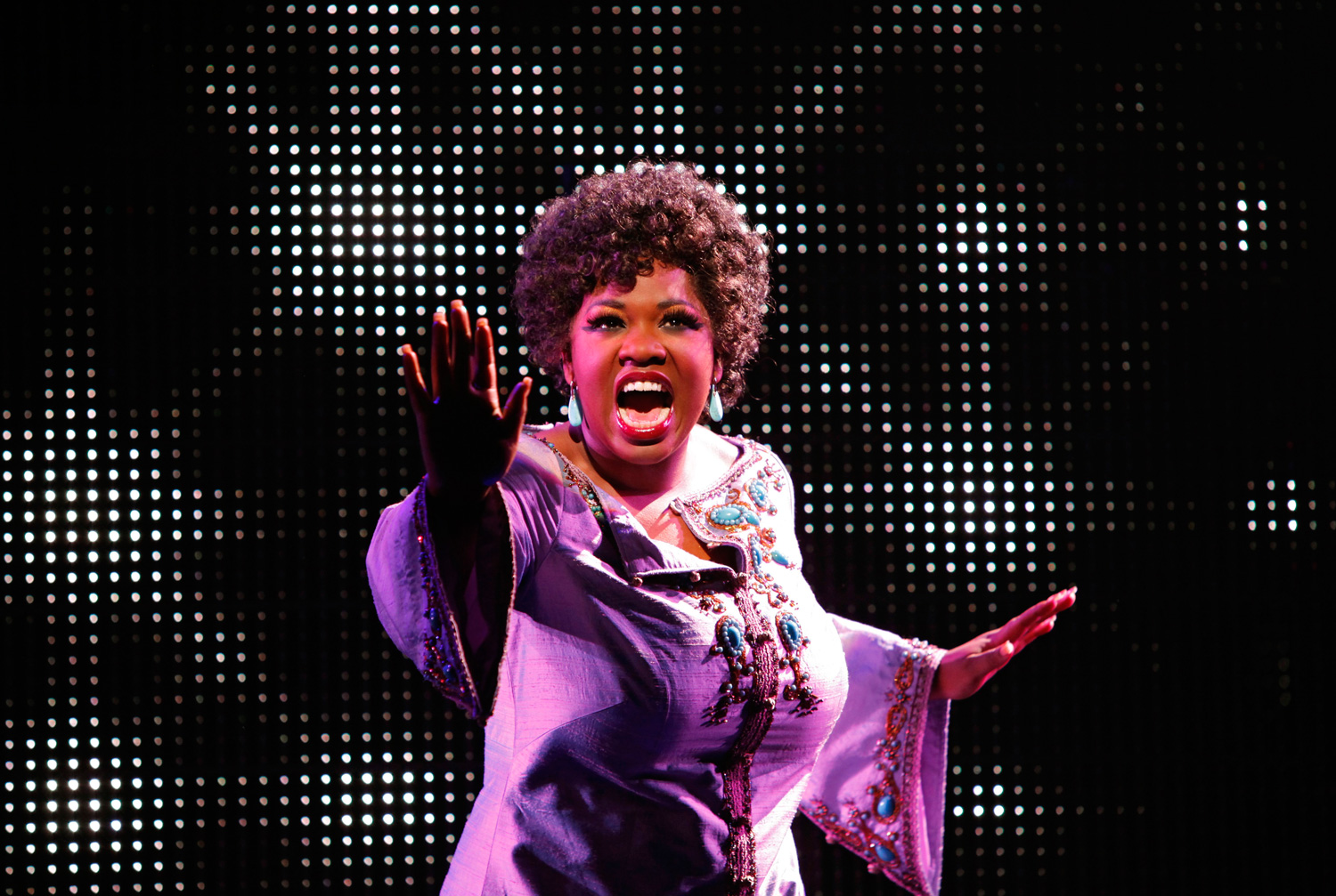 effie girls Parks and recreation and goods girls star retta describes how she was too scared to audition for the role of effie in dreamgirls that went to jennifer hudson.