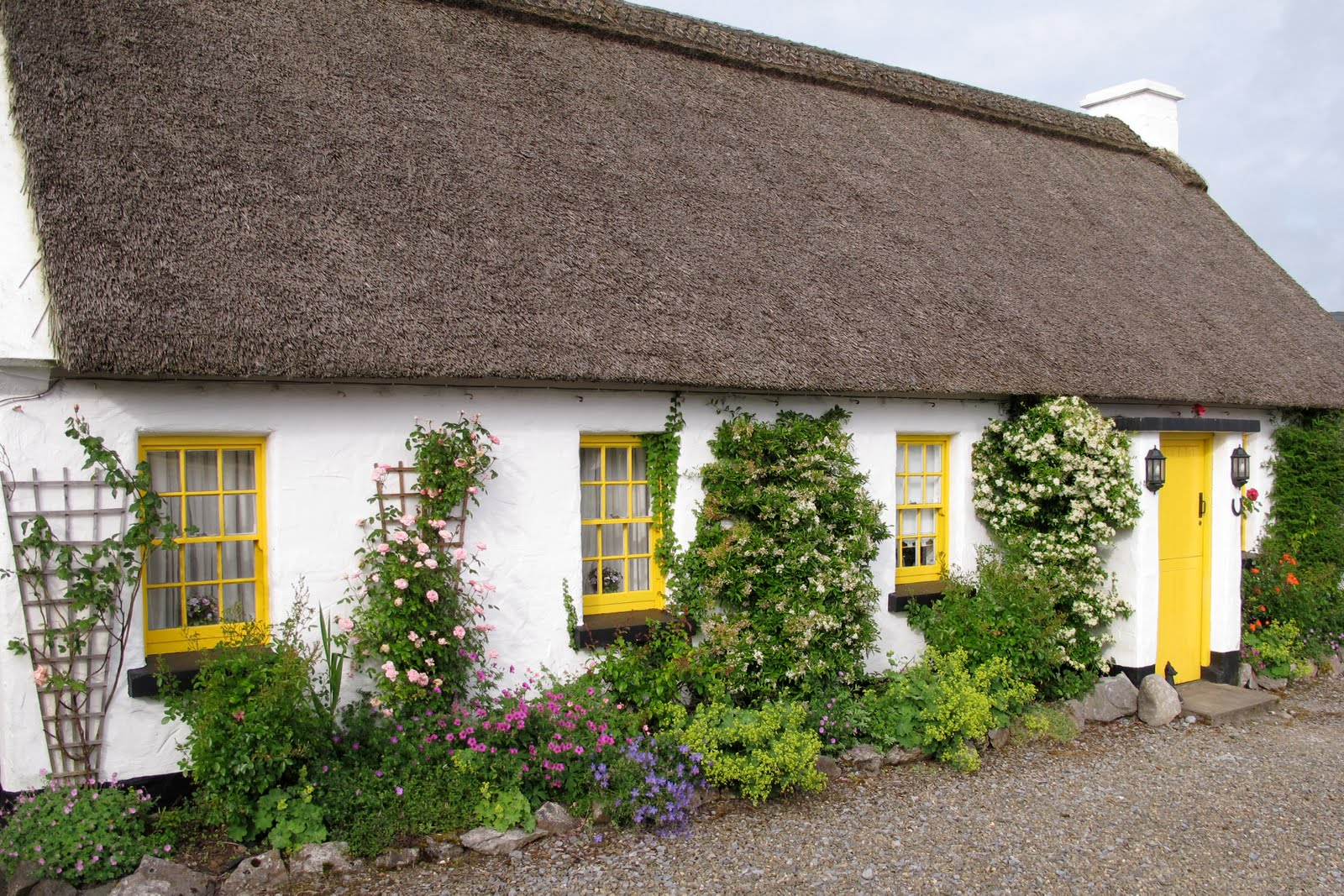 Decor To Adore: Thatched Roof Cottages