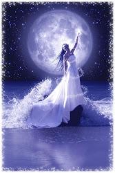 Η μεγαλύτερη μαγεία είναι το όνειρο.