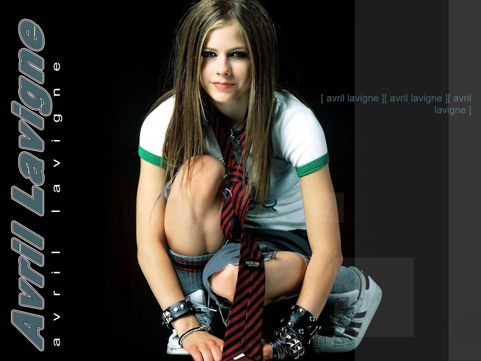http://2.bp.blogspot.com/_ZRj5nlc3sp8/S97Z5Pu583I/AAAAAAAACa4/tuz2xFQ2seU/s1600/Avril+Lavigne+wallpapers+12.jpg