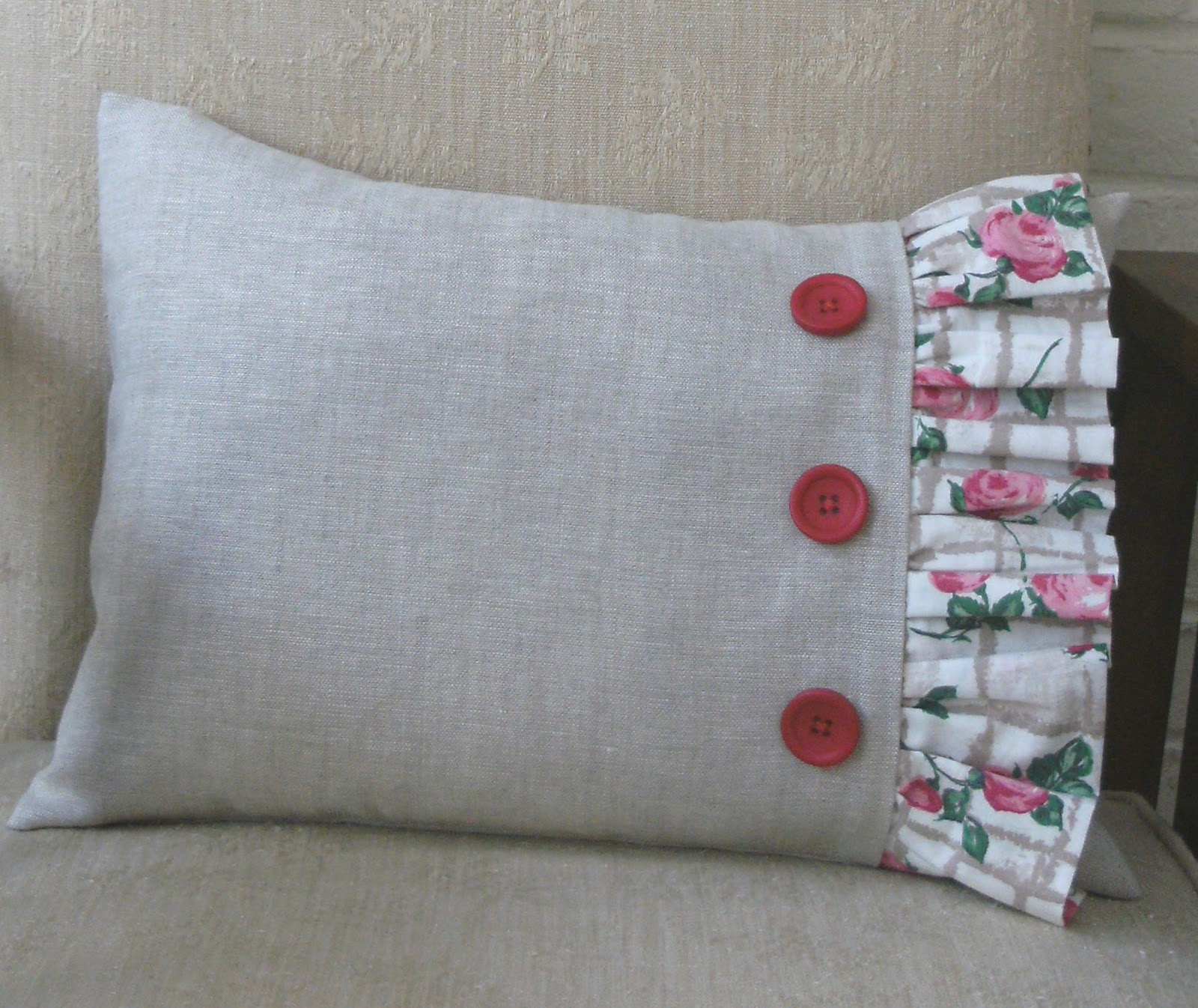 sew good by deborah good make a frilled cushion