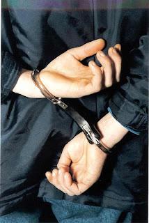 http://2.bp.blogspot.com/_ZT01xeO3Ex4/TCx9q2fQf5I/AAAAAAAAC54/uk1g7IQPacs/s1600/arrested44.jpg