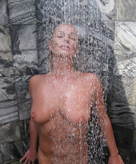 Anastasia Volochkova8Russian%252Bex Bolshoi%252BTheater%252Bballet%252Bstar%252BAnastasia%252BVolochkova%25252C%252Bwho%252Bposed%252Bnude%252Bon%252Ba%252BMaldives11 ... convince them to take part in some of the filthiest foot porn ever shot!