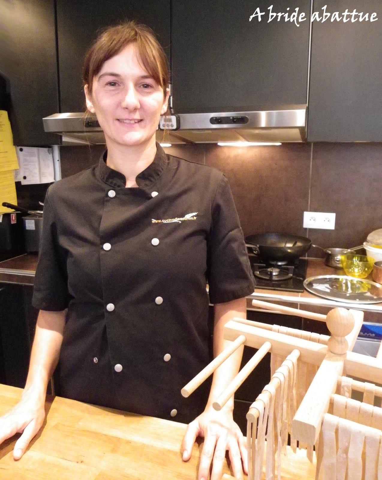 mia enseigne la cuisine italienne et nous sommes venus pour apprendre les bases de la fabrication des ptes fraiches - Cours De Cuisine Italienne Paris