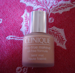 Clinique stay-true make-up