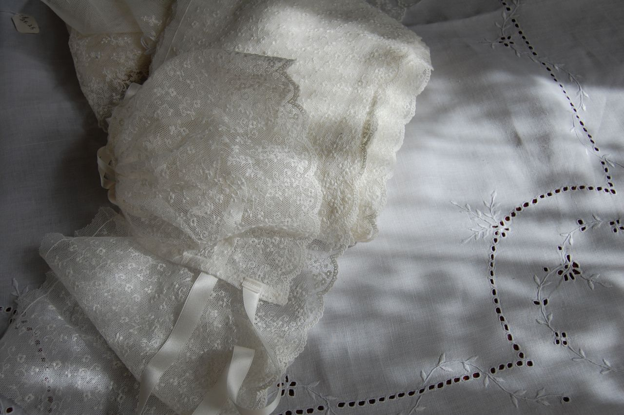 Old Fashioned Baby Bonnets 76