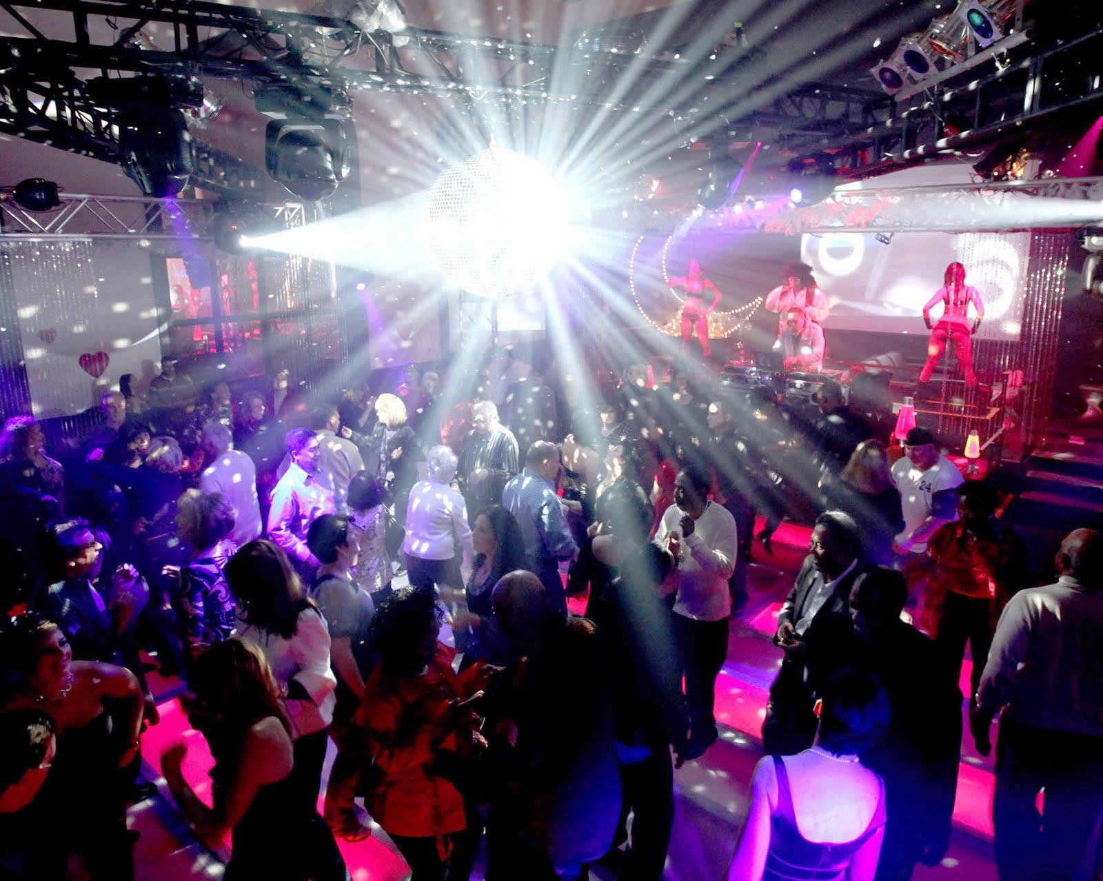 Фото девушек у ночном клубе 3 фотография