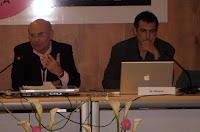 De izda a dcha: el moderador Felipe Julián Hernández y el director del Máster de Periodismo Digital del Instituto Universitario de Posgrado, Francisco Olivares. Imagen de Rosa Guilló