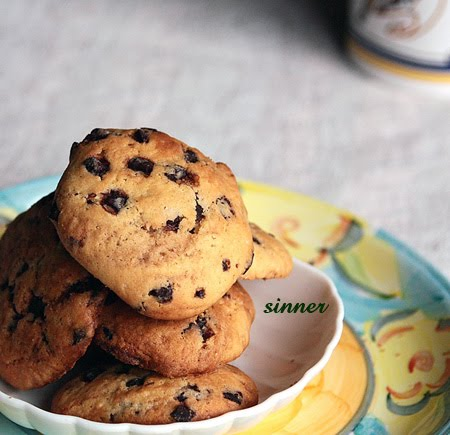 crunchy choc chip cookies