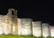 Muralla romana de Lugo nocturna