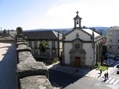 Muralla de lugo - Paseo e Iglesia