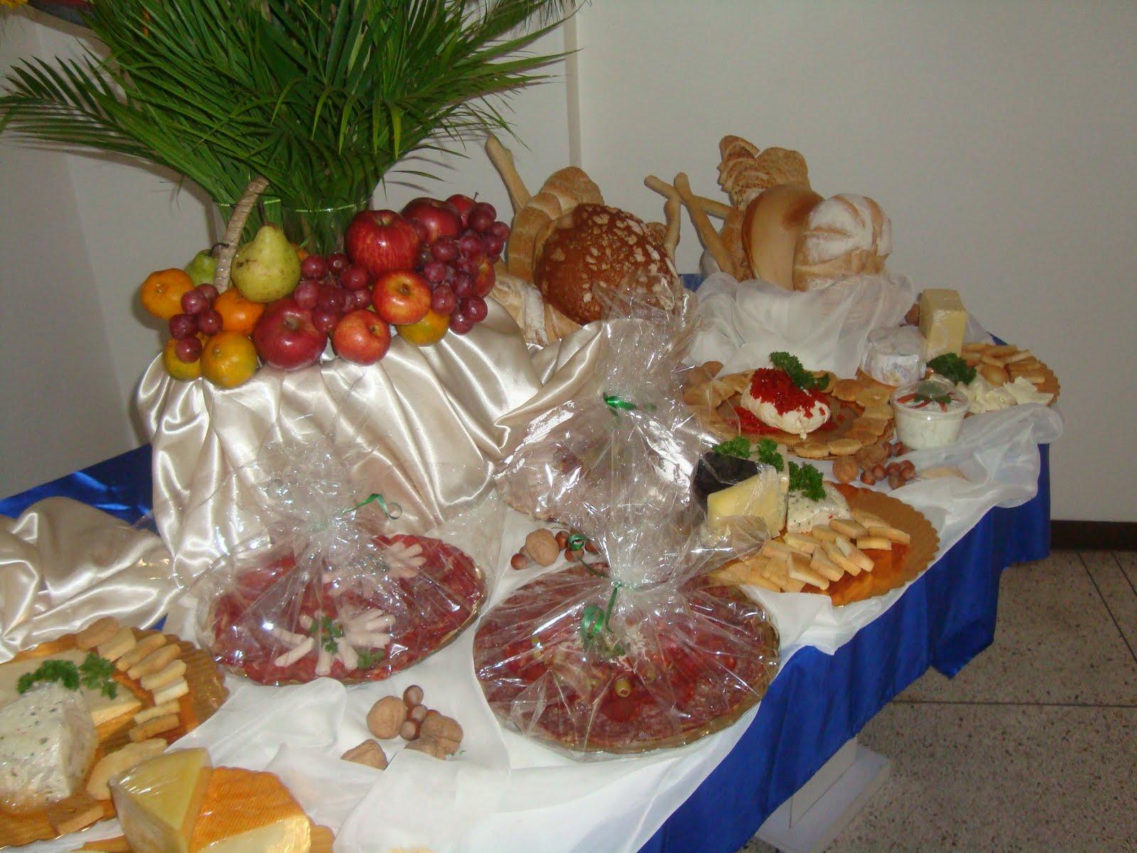 Todo para fiestas decoraciones y manualidades mesas de for Todo decoraciones