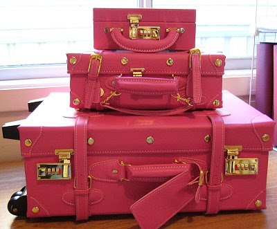 PINK SUITCASES FOR WOMEN
