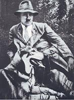 Hitler y los perros 2 Hitler+en+compa%C3%B1ia+de+su+perro+en+Berghof