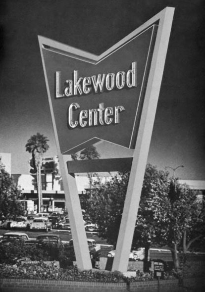 [Lakewood+Shopping+Center,+Lakewood,+CA+1950s.bmp]