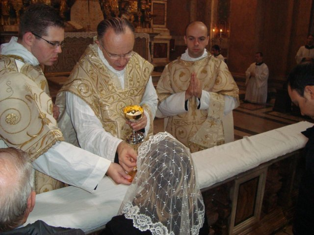 [communion.jpg]