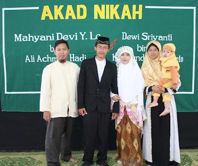 Foto pernikahan Ust Mahyani dan Dewi