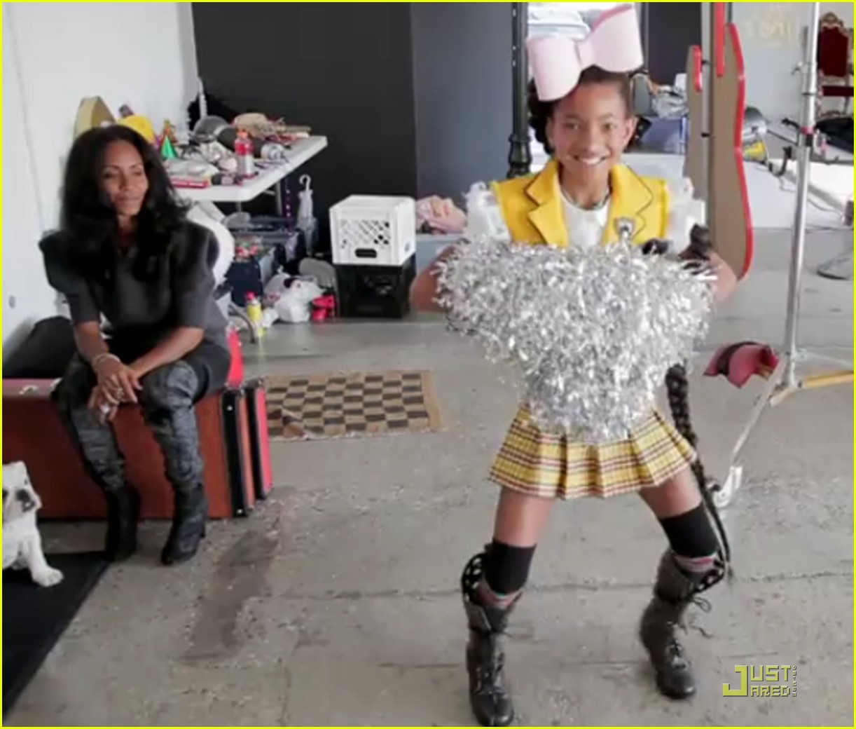 Willow Smith Hairstyles Mohawk Pictures from willow's behind
