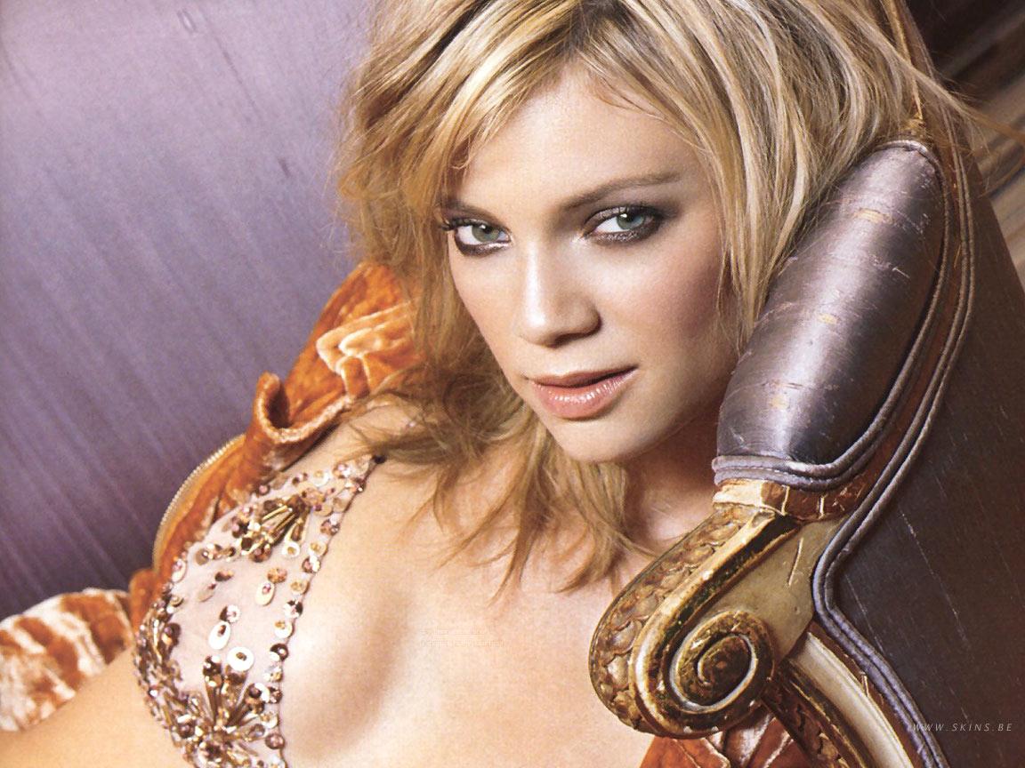 http://2.bp.blogspot.com/_ZelggTu08hA/TU6RQD4E-CI/AAAAAAAAJF8/bB2SRI9IX0w/s1600/Amy+Smart.jpg