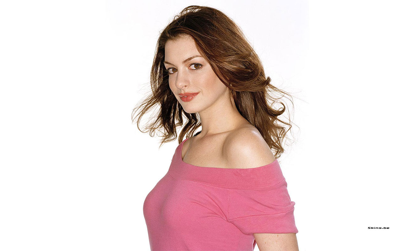 http://2.bp.blogspot.com/_ZelggTu08hA/TUQH7-nLhdI/AAAAAAAAI3E/0oRMC3abiBY/s1600/Anne+Hathaway+%25281%2529.jpg