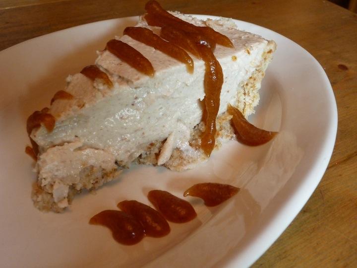 Raw vegan coconut cream pie