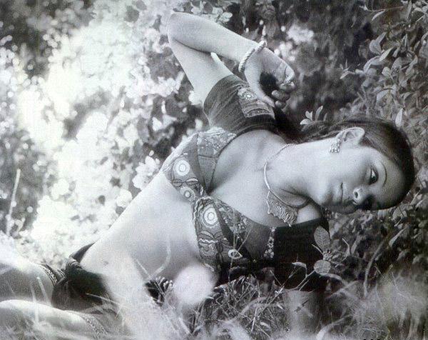 Exiled space, zeenat aman boob show