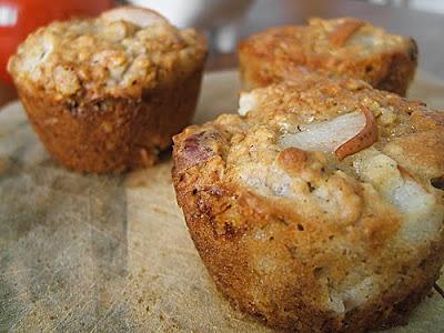 She Eats Bears: honey, pear and hazelnut muffins