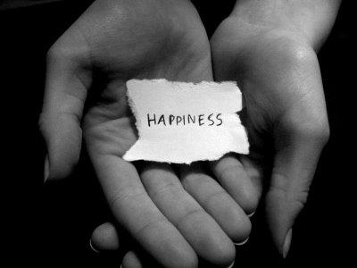 http://2.bp.blogspot.com/_ZhsyHHdHvWs/TCjKDYrSHtI/AAAAAAAABR4/rRwMtvA09Ps/s640/happiness_by_wint3r88.jpg