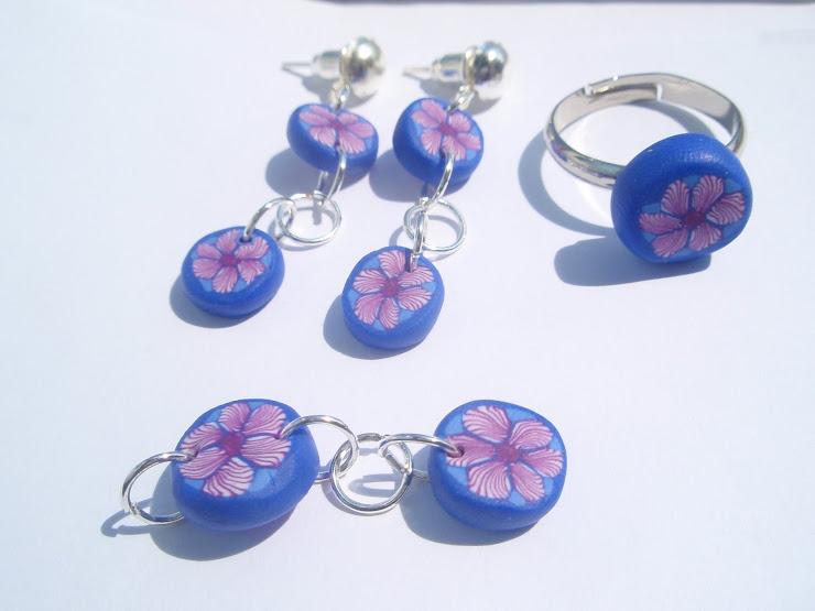 Set floare mov in cadru albastru. Cod 050. Pret 20 ron