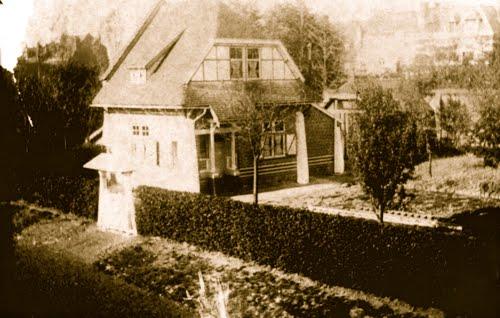 La maison au fond du jardin du Vert Cottage