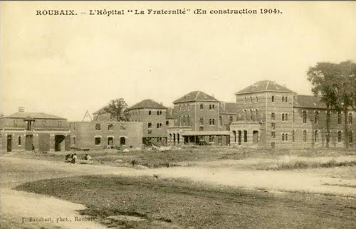 L'hôpital de la Fraternité en construction