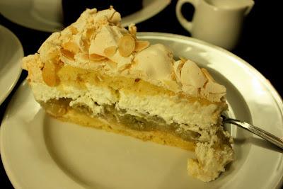 Gooseberry meringue tart cake