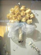Bouquett en Relieve con accesorios de la novia
