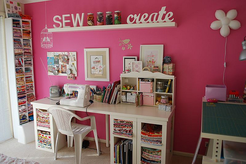 Sweetaccessories dream sewing room - Small space sewing area style ...