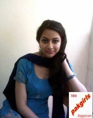 [pakistani+girls+_med_1244593070-1.jpg]