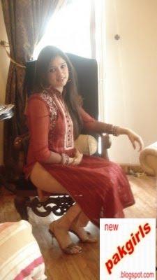 hot pakistani Girls in Shirt Shalwar