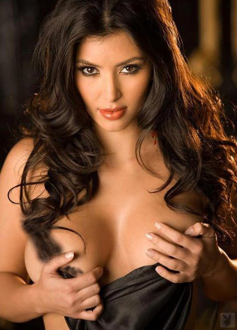 kim kardashian hot breasts