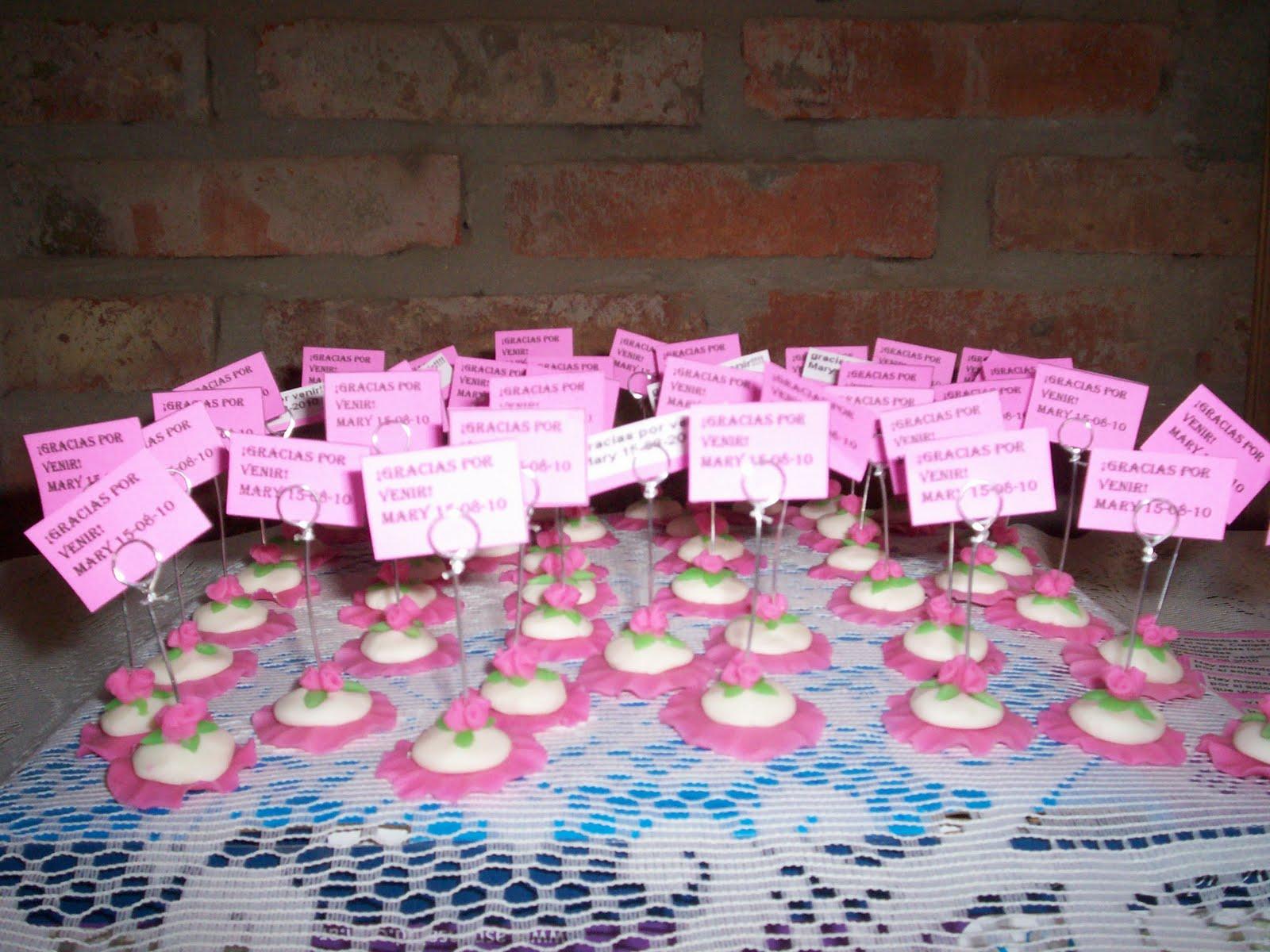 Creaciones Mal souvenirs adornos de tortas en porcelana fra