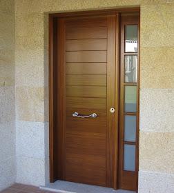 Carpinteria misa puerta entrada for Precio de puertas de madera para casas