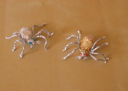 Как сделать пауков из фольги