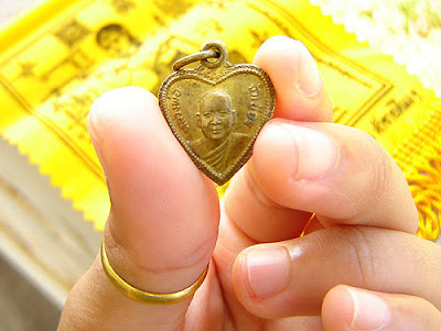 Thai Buddhist Good Luck amulet for sale, Ajarn Jumnien, Wat Tum Sua, Krabi, Thailand
