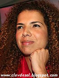 Vanessa Da Mata na Clave