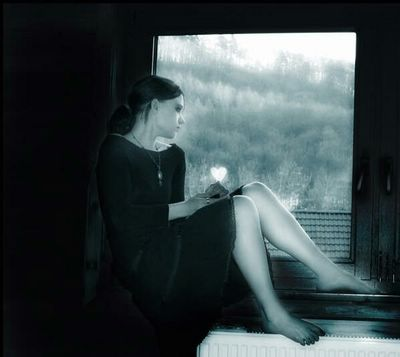 [20070706020452-20070703191757-melancolia-en-la-ventana-p-.jpg]