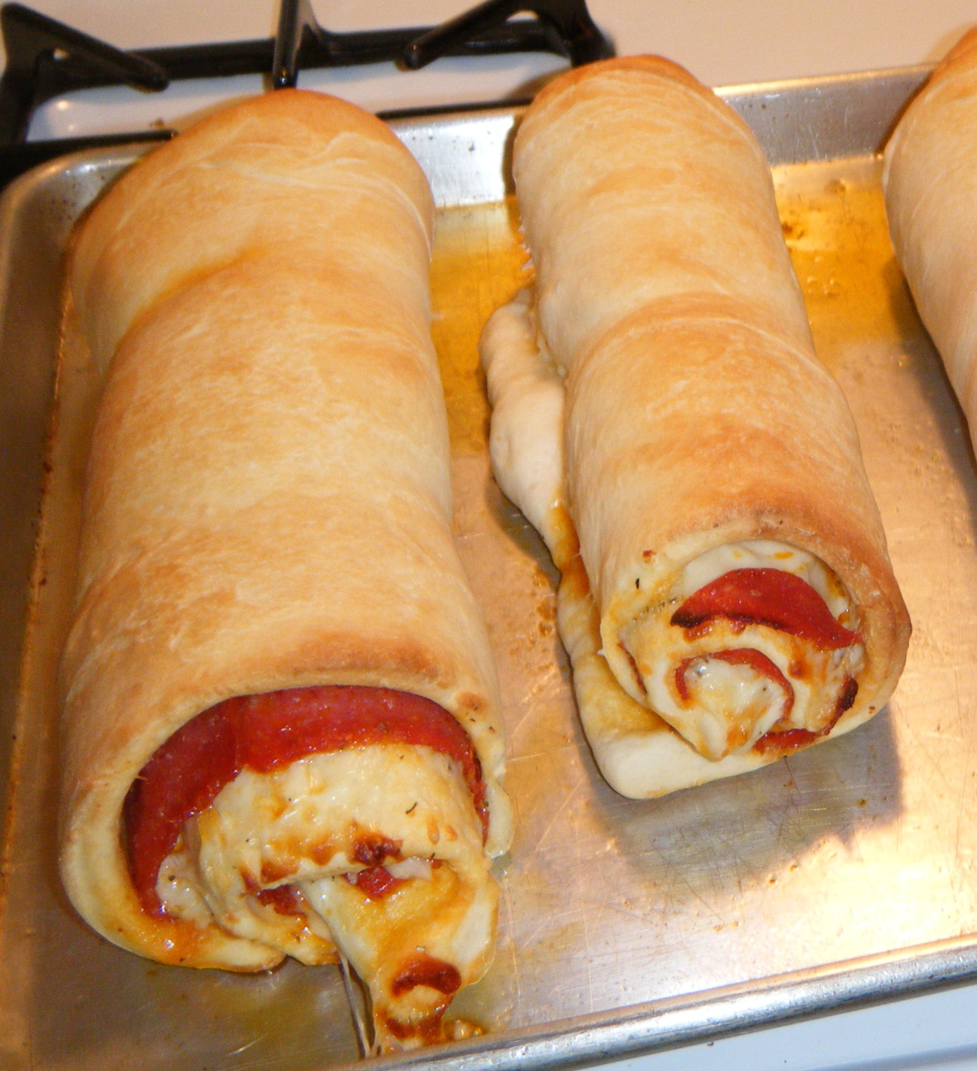 love pepperoni rolls! I make this every so often and it's pretty ...