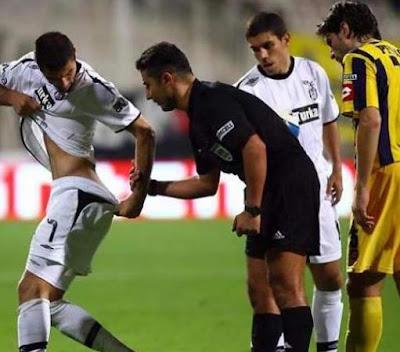 Futbolmanya: Futbol Gayleşir mi Yoksa Bir Türk Takımı