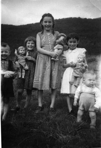 Per+Arne+Ragnhild+Edith+Solveig+B%C3%B8rre+1959-1960.jpg